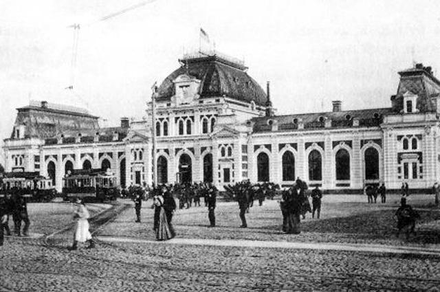 Павелецкая площадь и вокзал вскоре после постройки, 1910 г