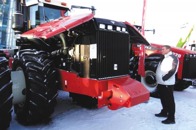 Трактор RSM 2375.
