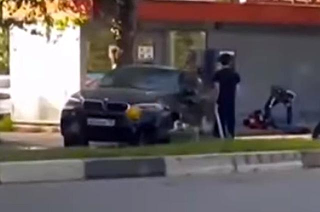 Автомобиль Артема Иванюженкова на месте аварии.