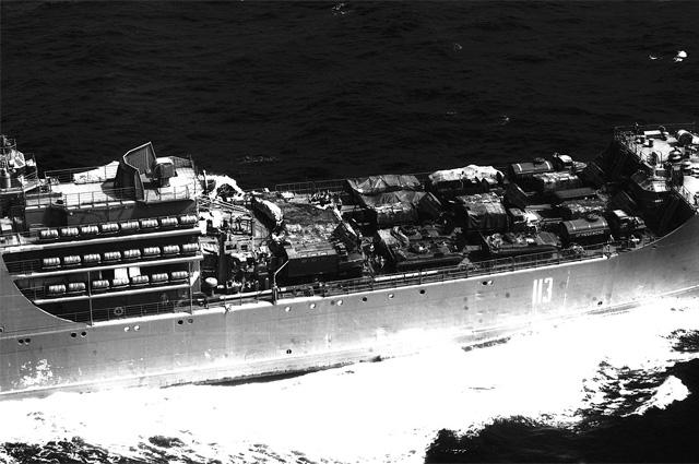 Большой десантный корабль Александр Николаев . Размещение техники на палубе