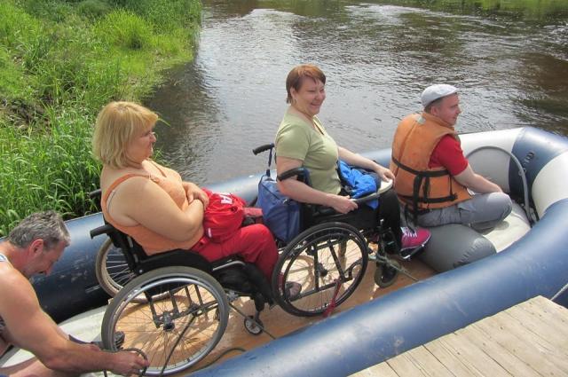Елена Лобачёва и её единомышленники принципиально не хотят брать с инвалидов за путешествия никаких денег.