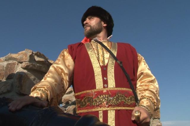 Михаил Харламов в образе Смаги.  Кадр из фильма «Донская быль»