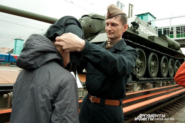 Вагоны были стилизованы под времена Великой Отечественной войны.