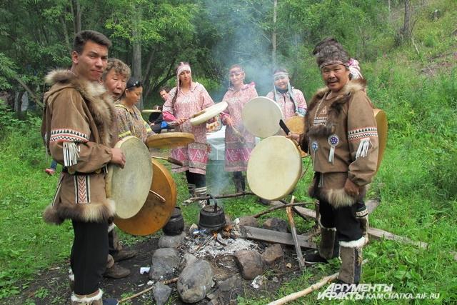 Гостей праздника угощали традиционной ухой.