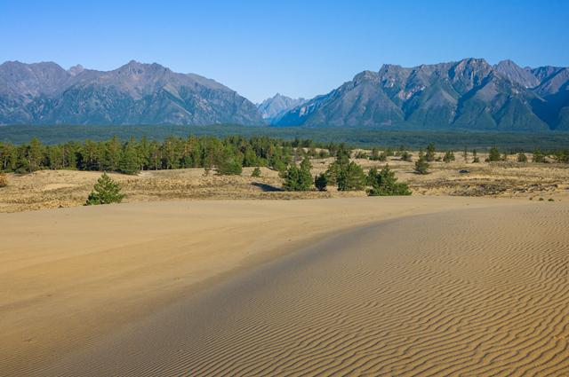 Чарские пески в Забайкалье.