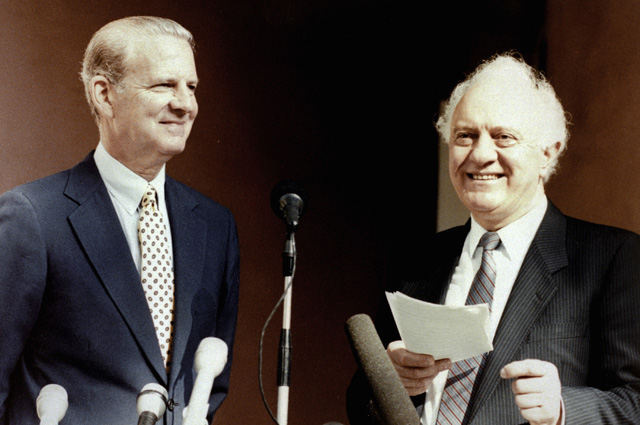 Пресс-конференция во время рабочей встречи министра иностранных дел СССР Эдуарда Шеварднадзе и государственного секретаря США Джеймса Бейкера. 1990 г.