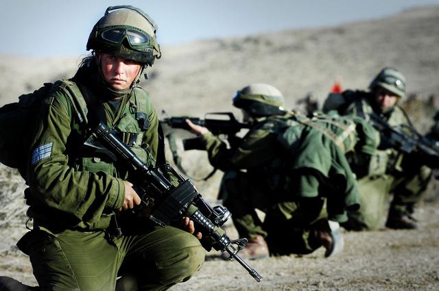 Батальон Каракаль, часть, где мужчины и женщины служат вместе.