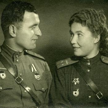 Супруги были направлены в действующую армию в составе экипажа именного тяжёлого танка ИС-2 — «Колыма».