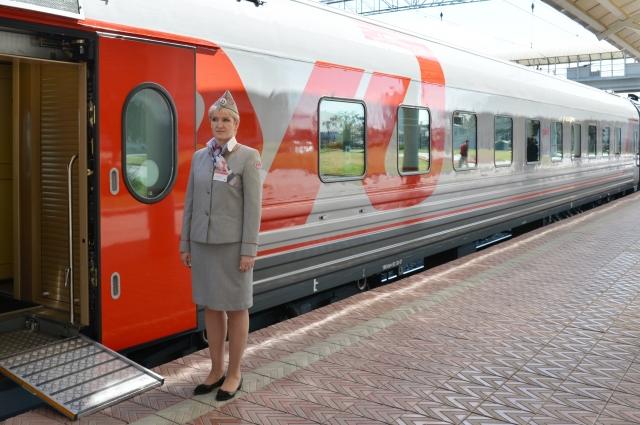 На поездах, укомплектованных современными вагонами, можно уехать в Москву, Санкт-Петербург, Кисловодск.