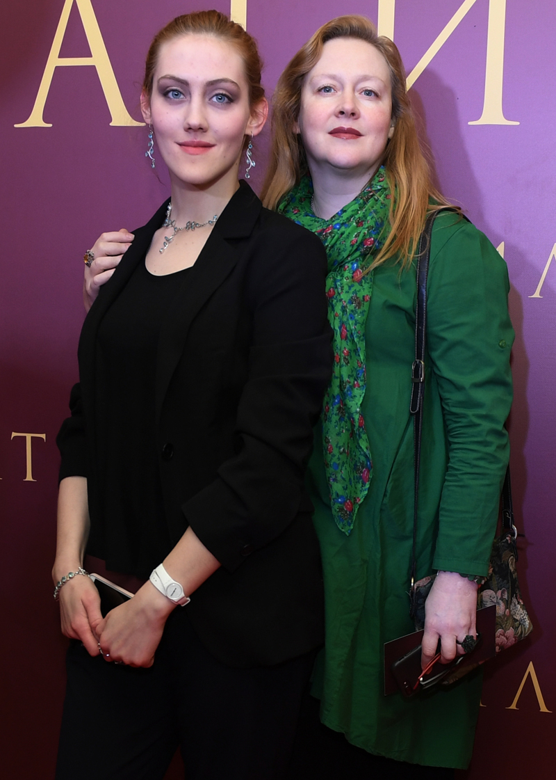 Юлия Ауг  с дочерью Полиной.
