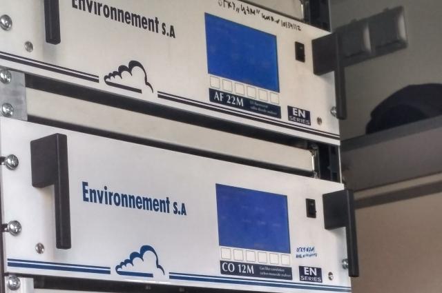 Передвижная лаборатория наполнена техникой, которая обошлась в 2 раза доороже, чем только покупка нового авто.