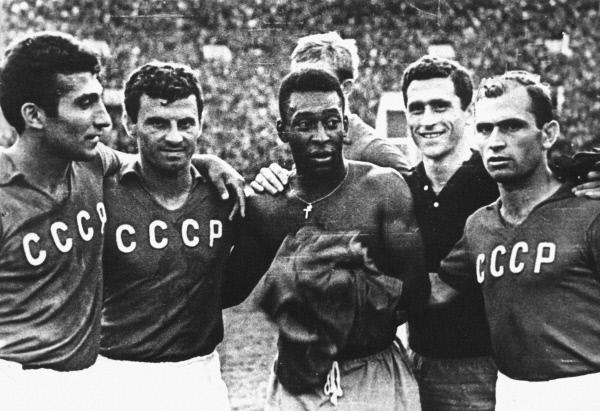 Пеле и советские футболисты: Михаил Месхи и Георгий Сичинава