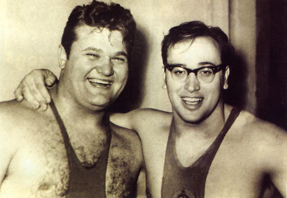 Леонид Жаботинский (слева) и Юрий Власов - между ними разыгралась драматическая дуэль на Олимпиаде в Токио.