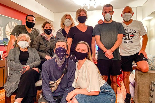 Встреча дружной аргентинской семьи в период пандемии