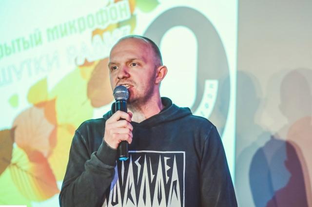 «Полиграф Полиграфыч» по-прежнему следит за событиями в омском КВН.
