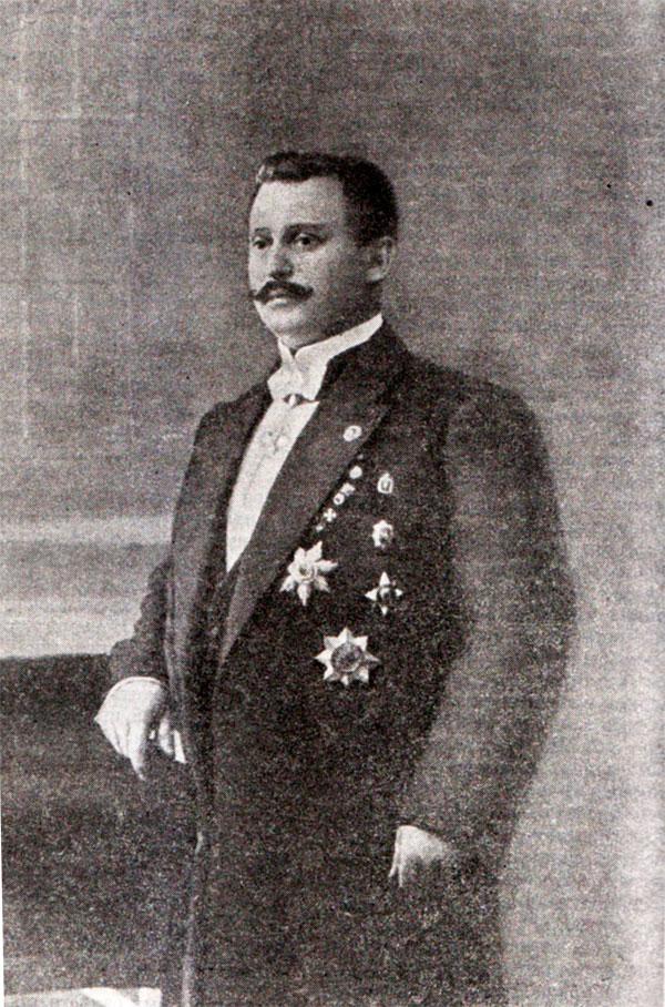 Анатолий Дуров. Фото из книги Шебуева