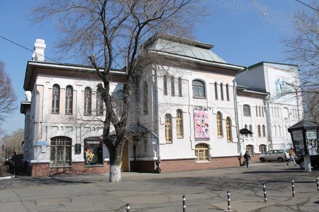Театр в Уссурийске жив и сегодня.