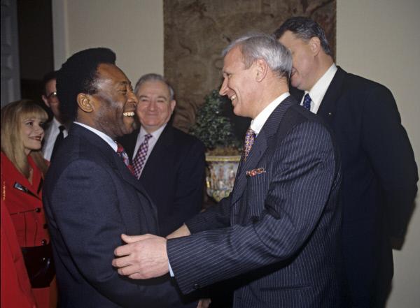 В 1997 году Пеле уже бывал в Росии, где встречался с президентом Российского футбольного союза Вячеславом Колосковым