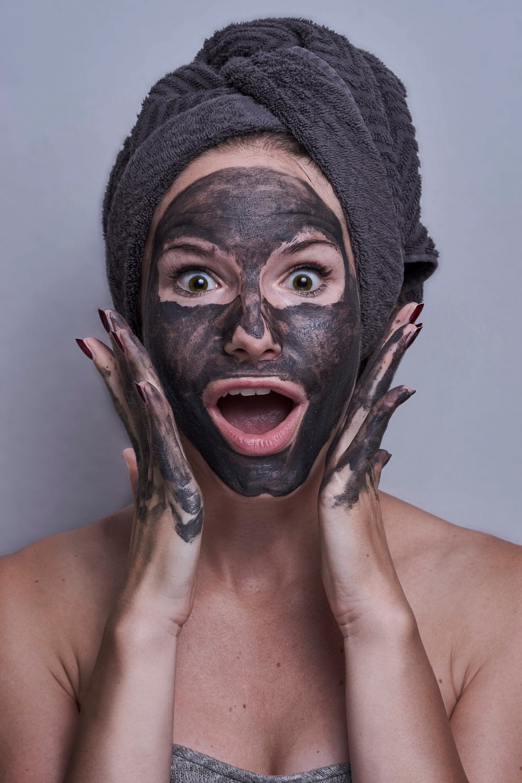 Маски для лица должны быть в косметичке каждой девушки, которая хочет выглядеть совершенно.