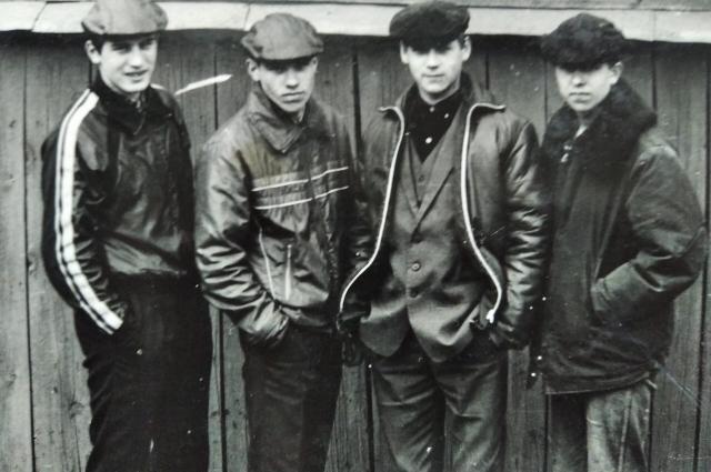 Почти вся молодёжь была как из инкубатора – одинаково одета.