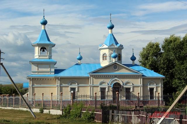Церковь Покрова Пресвятой Богородицы в селе Крым-Сарай была построена в 1846 году