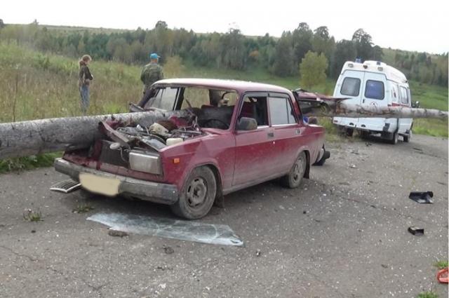 В результате ДТП водитель погиб.