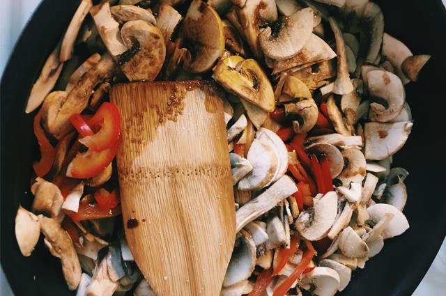 Фунчоза с грибами