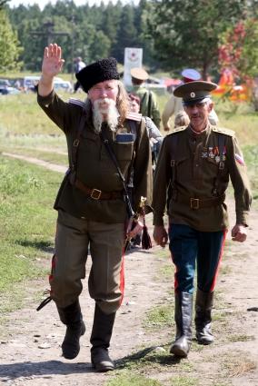 Чтобы стать казаком нужно быть православным и не иметь судимостей.