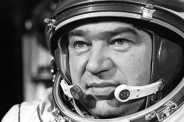 Бортинженер космического корабля «Союз-17» Георгий Михайлович Гречко, 1975 год