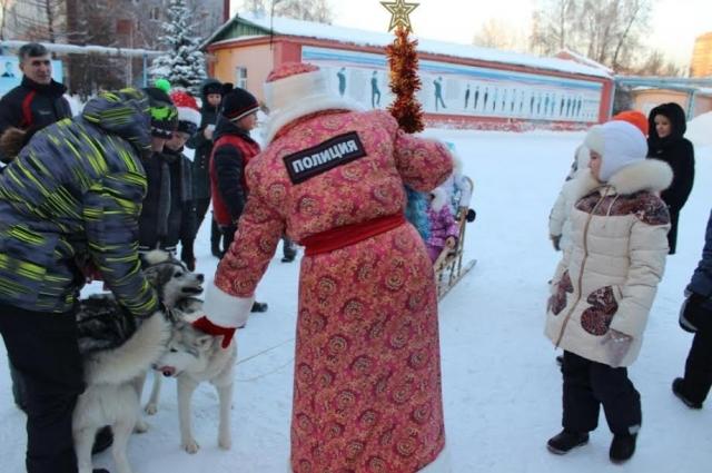 Дед Мороз на службе