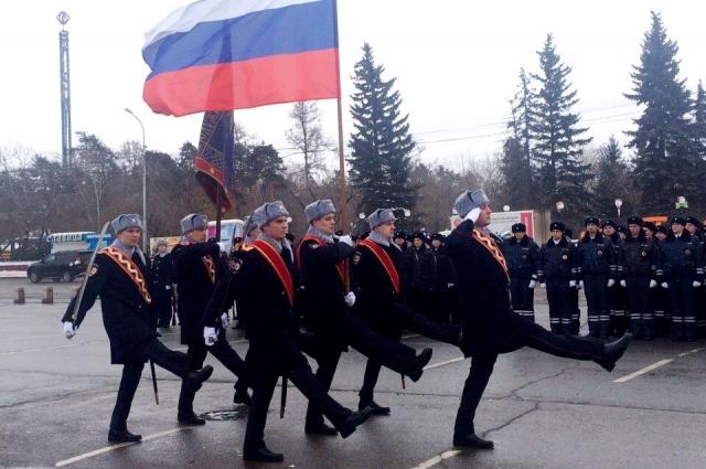 Торжественная церемония вручения прошла на площади Революции.