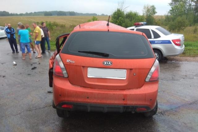Водитель легкового автомобиля погиб.
