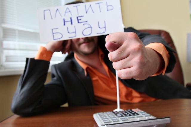 Должникам по алиментам не получится улететь за рубеж, если они накопили долг перед своими детьми 10 тыс. рублей и больше.
