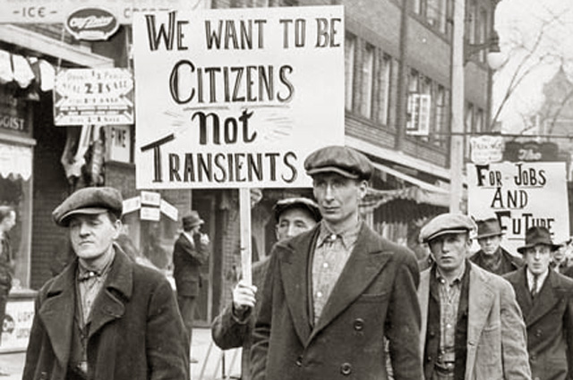 Марш безработных в Торонто, Канада.