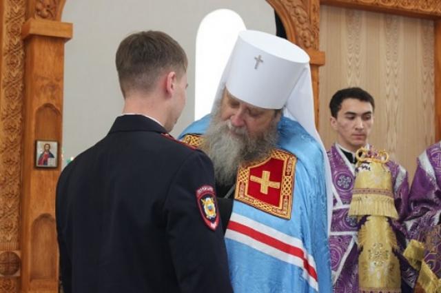Данил Максудов и митрополит Оренбургский и Саракташский Вениамин.