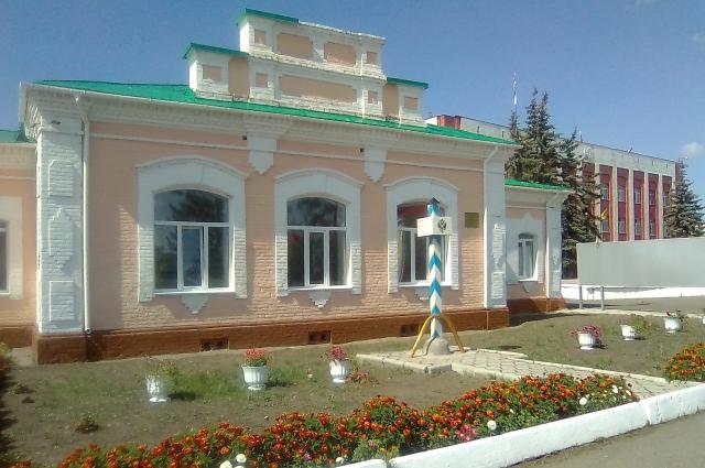 В Тюкалинске много красивых зданий.