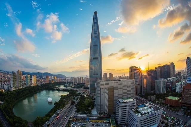 Главное, за чем в Гонконг едут туристы со всего света, – шопинг.