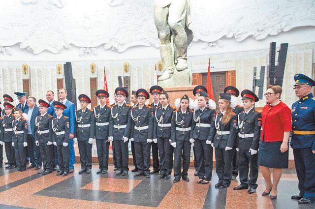 Чести принять присягу вЗале Славы Музея Победы удостаиваются лишь лучшие кадеты.