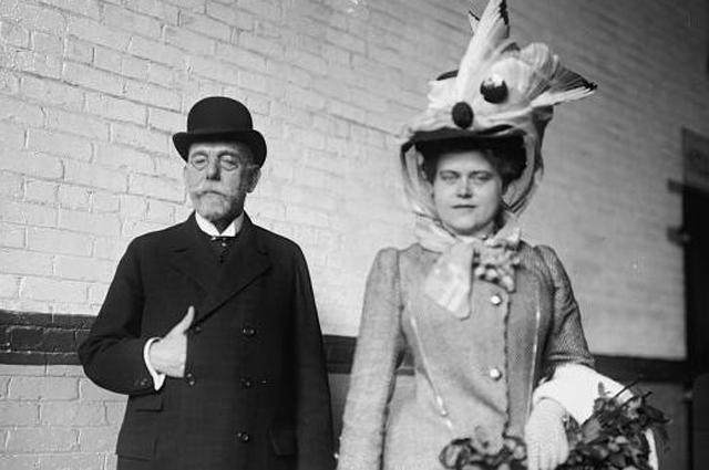 Роберт Кох со своей второй женой Хедвиг в 1908 году.