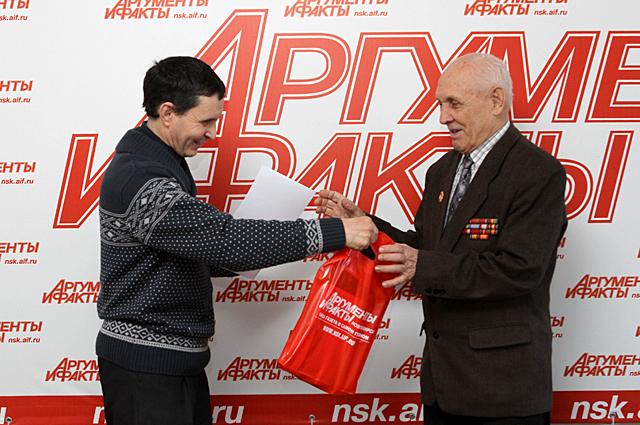 Борис Иванович Трегубов и Сергей Степанович Кошкаров (слева направо)