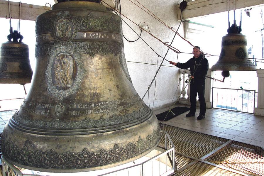 Центральный Благовест весит около 7 тонн.