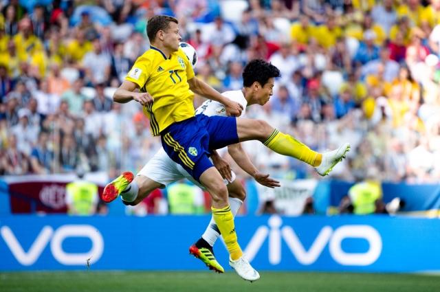 Тренер южнокорейской сборной Син Тэ Ен объявил шведов чересчур габаритными.