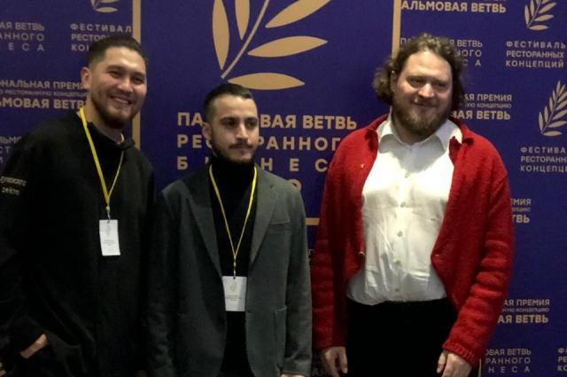 Кирилл Шлаен слева.