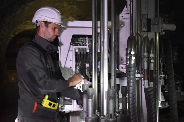 В ходе опытной эксплуатации шахтёры внесли свои предложения по усовершенствованию модели.