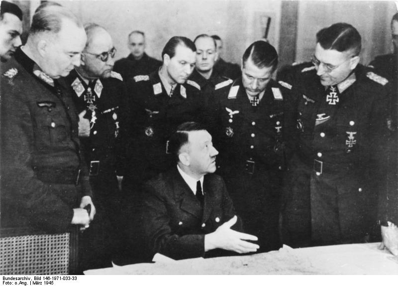 Адольф Гитлер в штабе группы армий Висла