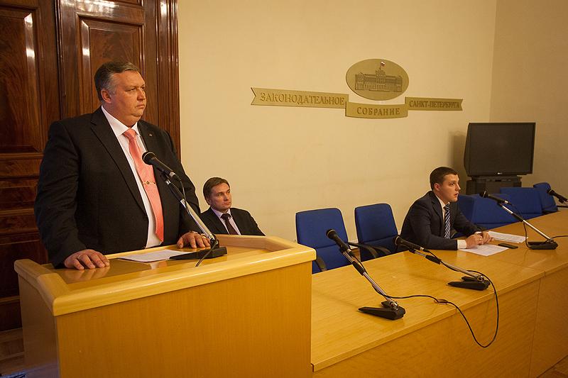 Дмитрий Курдесов (слева) уверен, что проблему нужно решать на государственном уровне