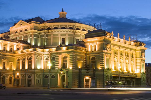 Национальная программа одно из главных направлений Мариинского театра, считает Гергиев