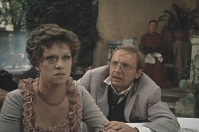 Алиса Бруновна с ролью, как и ее знаменитые партнеры, справилась блестяще.