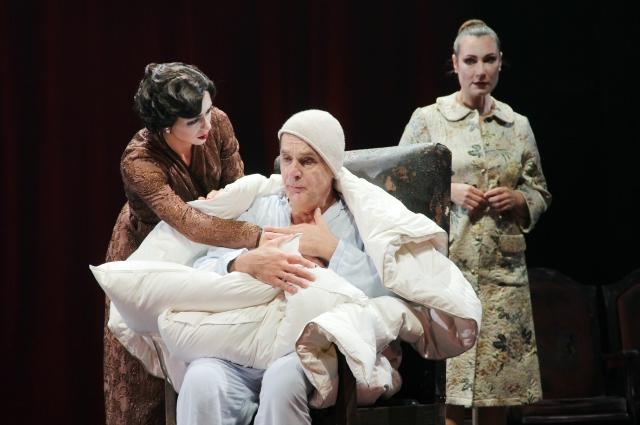 Спектакль ставят на многих российских и зарубежных сценических площадках.