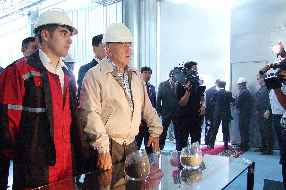 В день запуска первой обогатительной фабрики, 7 сентября 2006 года, на АМК приехал президент Казахстана Нурсултан Назарбаев.